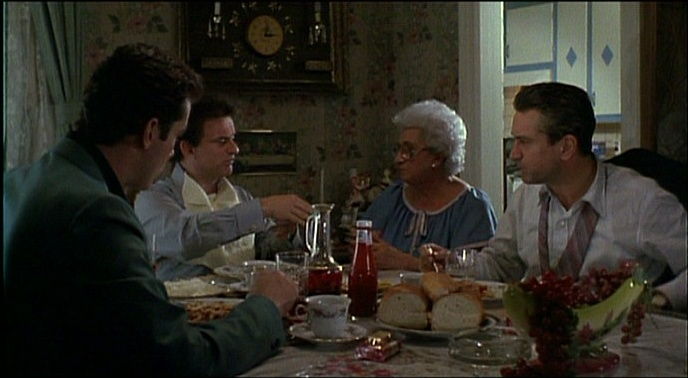 IMAGE(http://johnrieber.files.wordpress.com/2012/01/goodfellas-dinner-table-scene.jpg)
