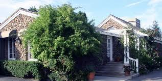Oak KNoll Inn entrance