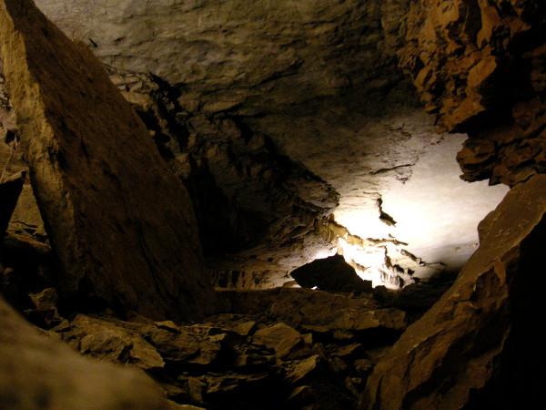 Mammoth-Cave splunking