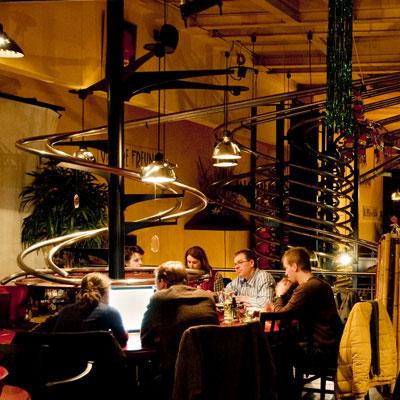 roller-coaster-restaurant