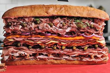 28-lb-sandwich-is-the-worlds-meatiest-1-30643-1338055177-3_big