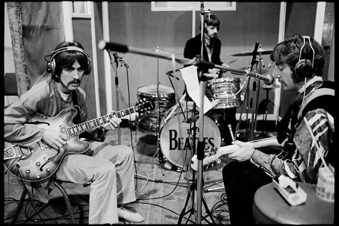 Paul McCartney and George Harrison fight
