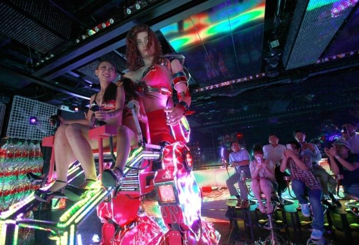 tokyo bikini robot battles