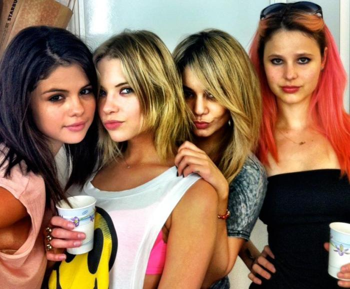 spring breakers selena gomez and vanessa hudgens