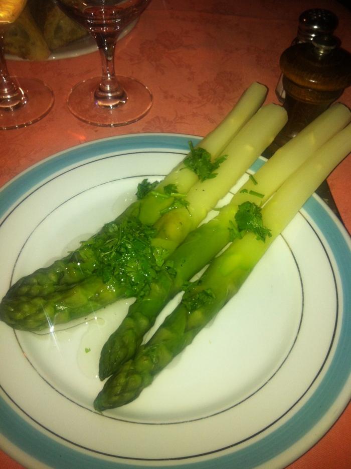 asparagus at chez l'ami louis