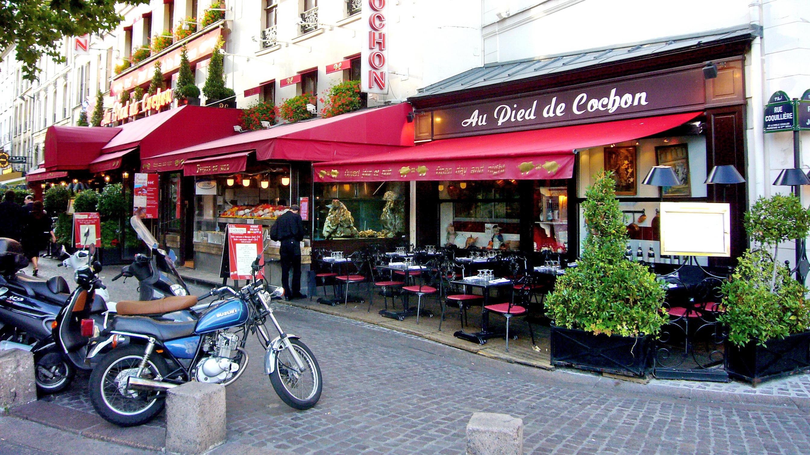 Paris pig s trotter au pied de cochon celebrating swine - Cuisiner pied de cochon ...