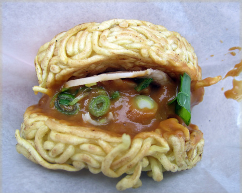 Japanese ramen burger