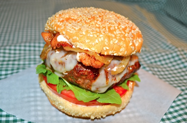 Sloppy-Sriracha-Burger