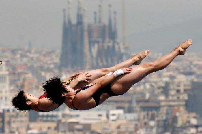 Barcelona syncronized swimmers