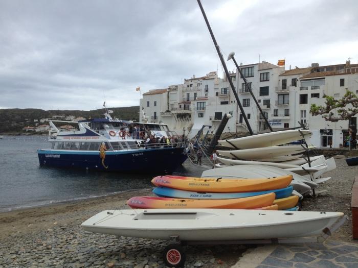 Cadaques ferryboats arrive