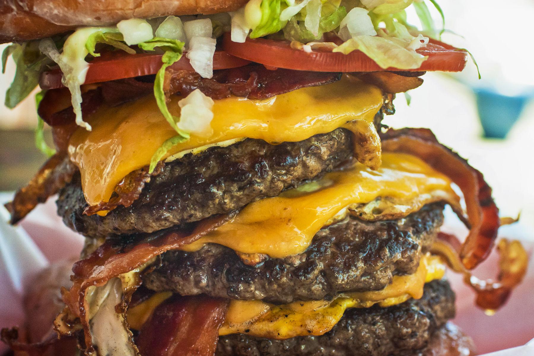 Chicago S Delicious Burger Battle Big Big Big Vs Bagged