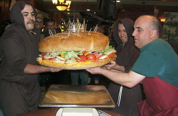 largest-burger-105lbs