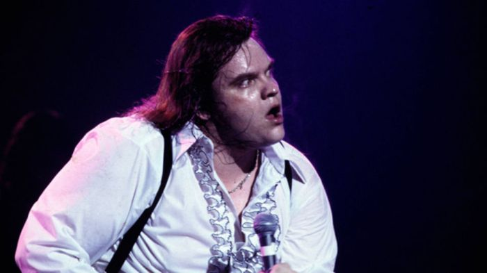 Meatloaf performing bat out of hell