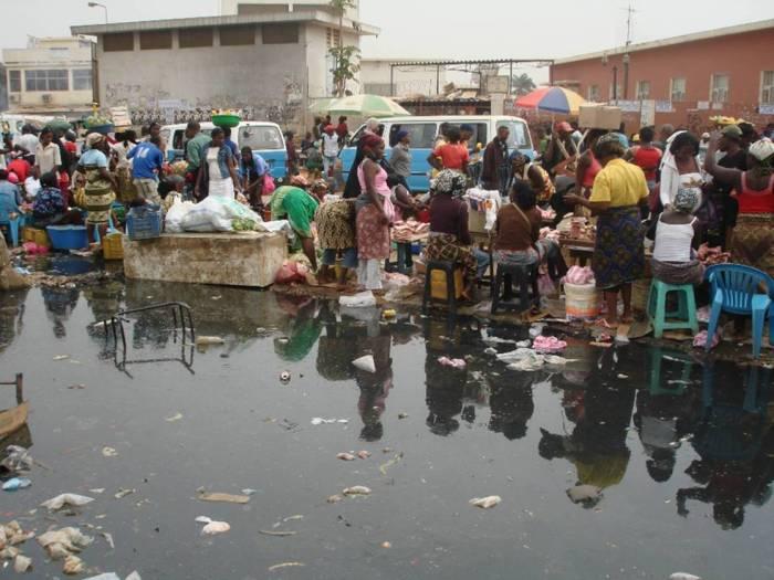 Mercado-Luanda