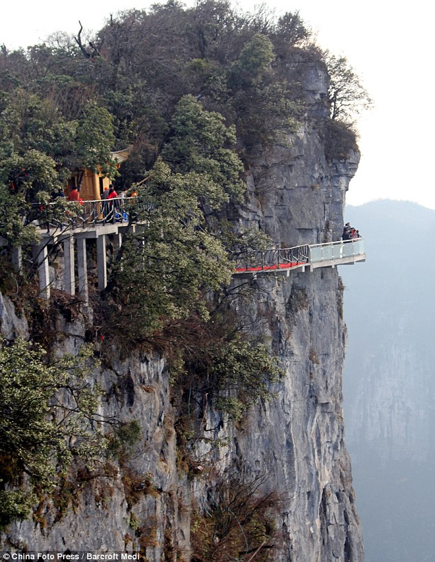 chinese cliffside restaurant