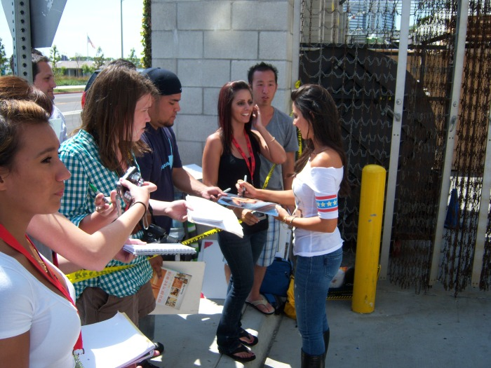 Olivia Munn autograph
