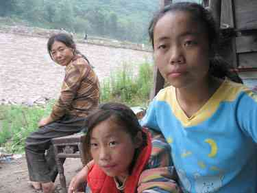 Yangtze river dam impact