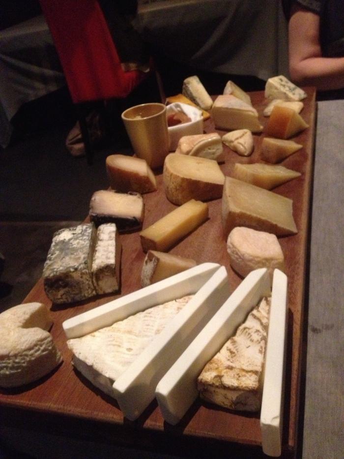 Comerc24 cheese platter