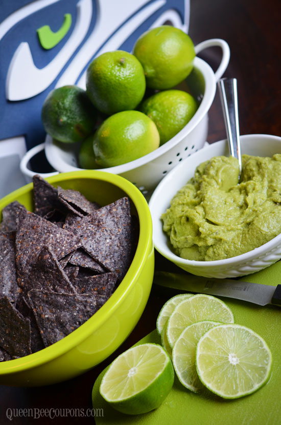 Seahawks-food-ideas-blue-chips-guacamole