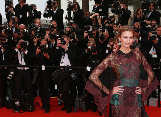 karlie-kloss-cannes-film-festival-red-carpet-valentino_1