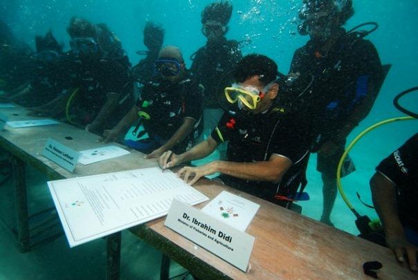 IPres_UnderwaterCabinet