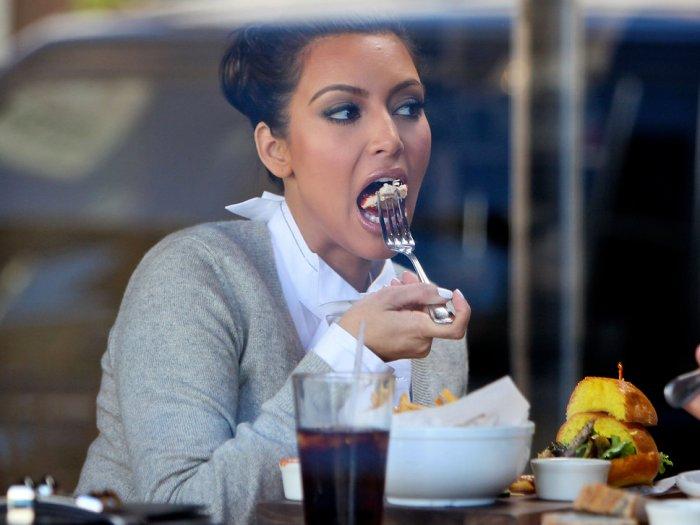 kim_kardashian_eating