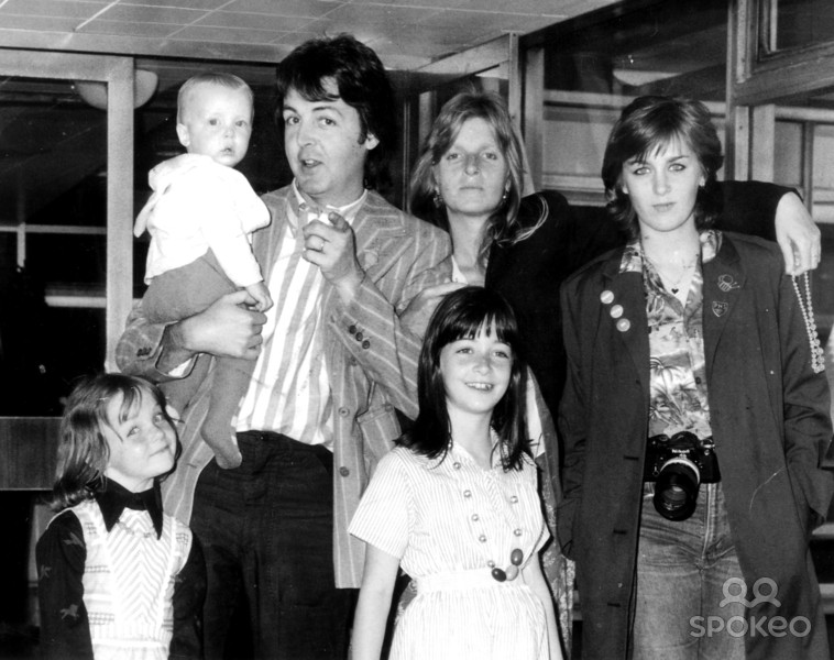 paul mccartney s neglected london town macca s biggest single ever rock out to the girls