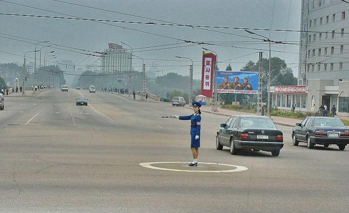 north-korean-traffic-police-no-cars
