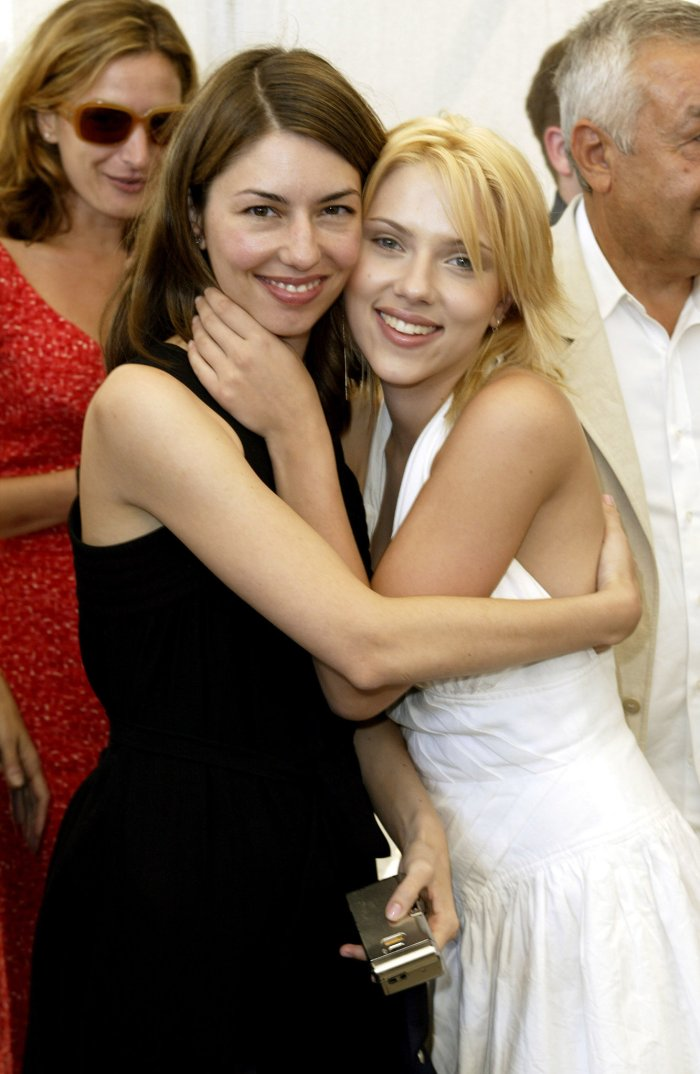 Scarlett-Johansson-shared-hug-her-Lost-Translation