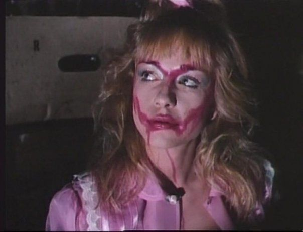 Linnea-Quigley-night of the demons