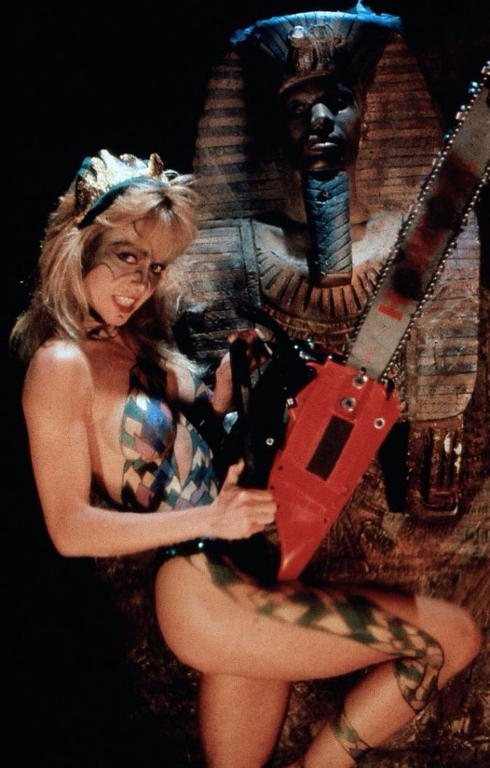 naked linnea quigley