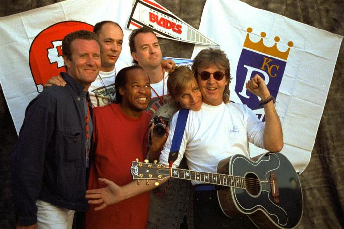 paul-mccartney-group-kc-1993-off-the-ground-tour-timothy-bischoff