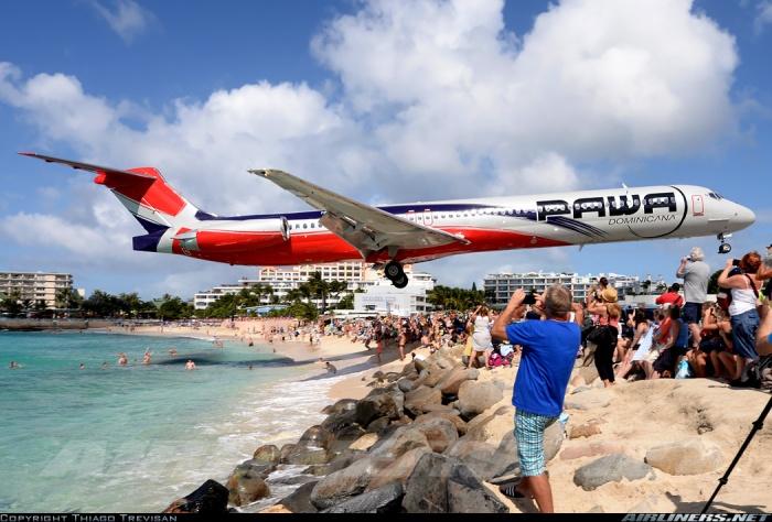amazing aircraft landing