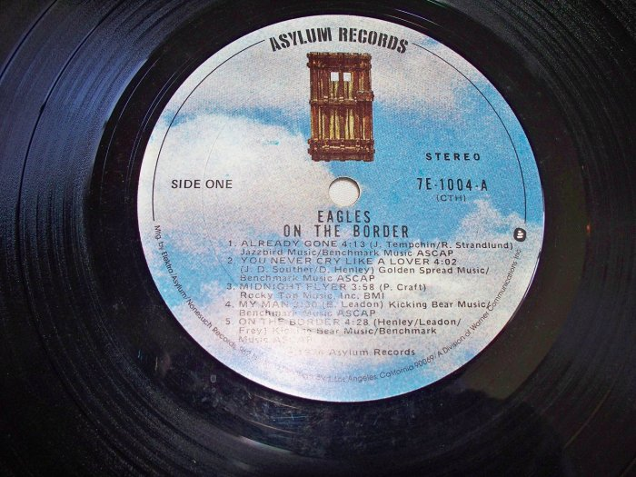 eagles hidden album groove on the border
