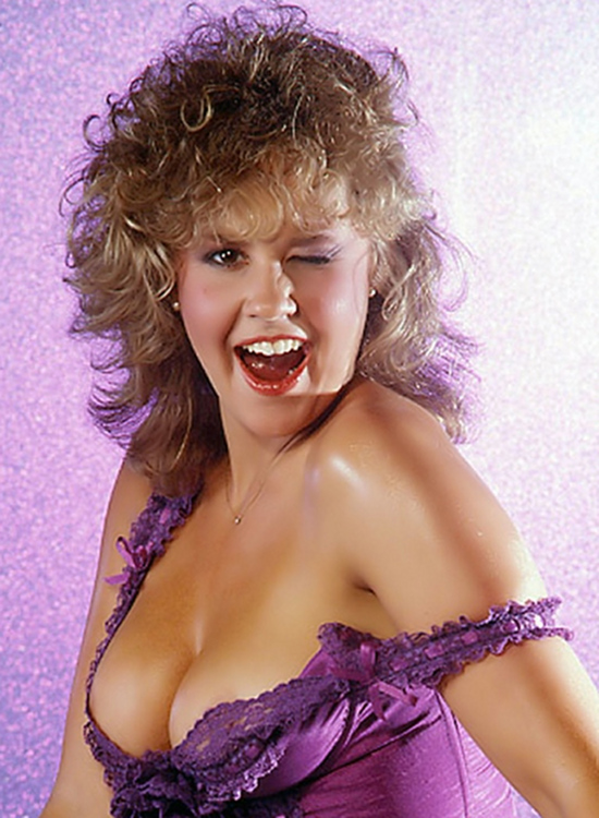 linda_blair_hot