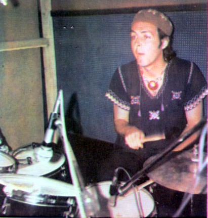 paul-mccartney-drums-band-on-the-run