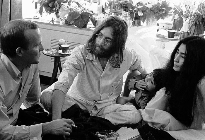 John and Yoko Give Peace A Chance with Tommy Smothers