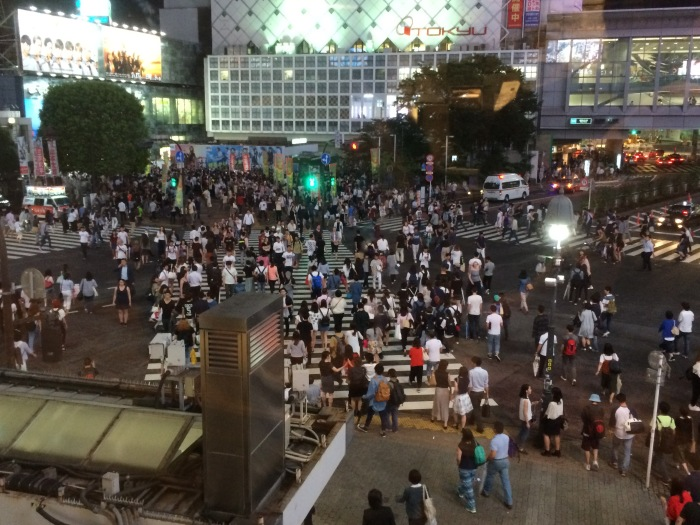 Shibuya crossing crowdd