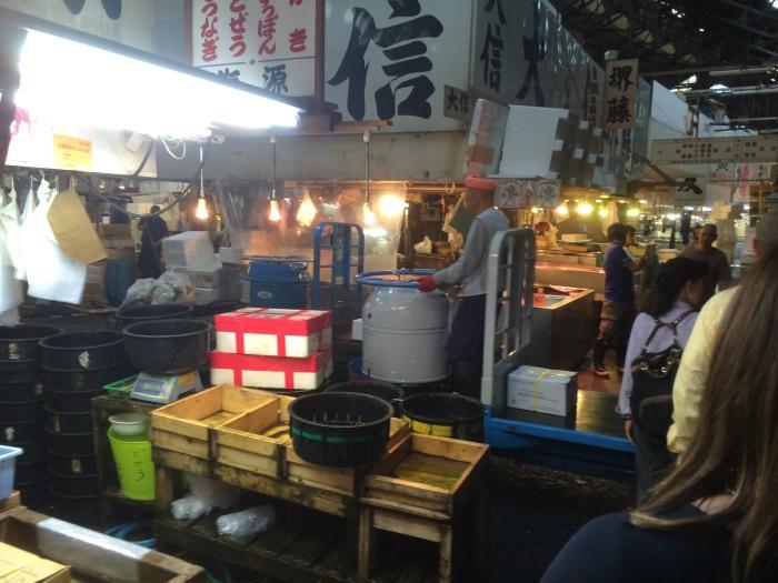 Tokyo fish market closing footage