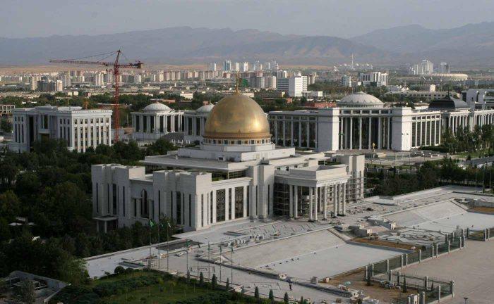 ashgabat-turkmenistan-tourism-marble-buildings