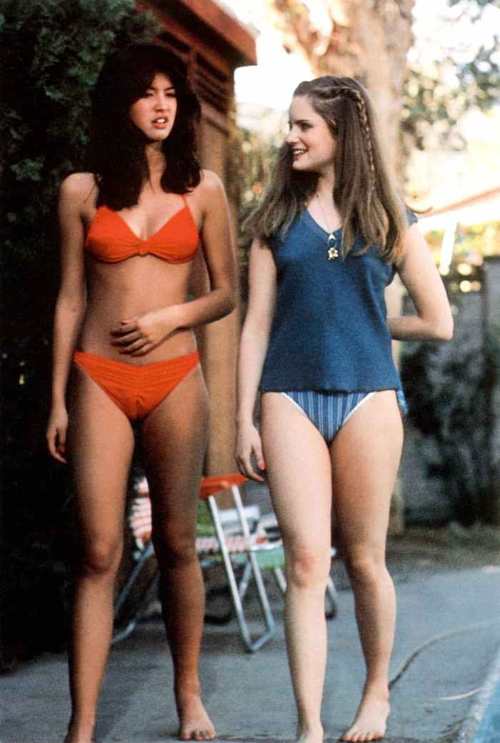 phoebe-cates-jennifer-jason-leigh-fast-times-ridgemont-high