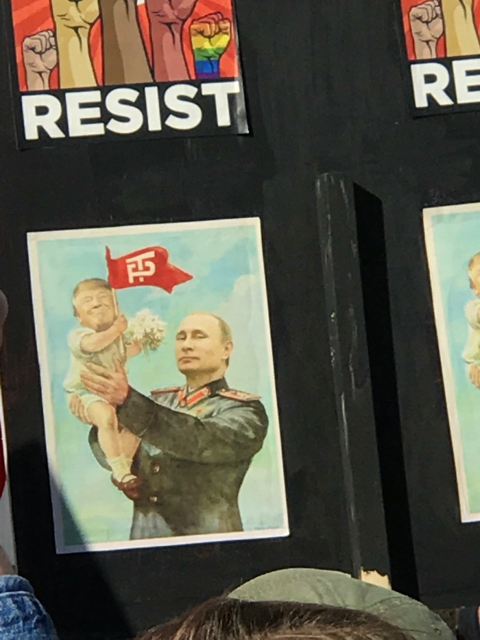 donald-trump-putin-protest-sign