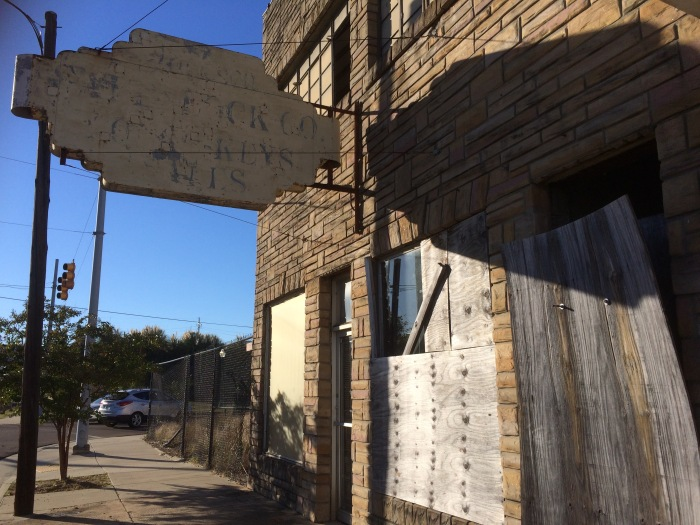 empty-jackson-mississippi-buildings