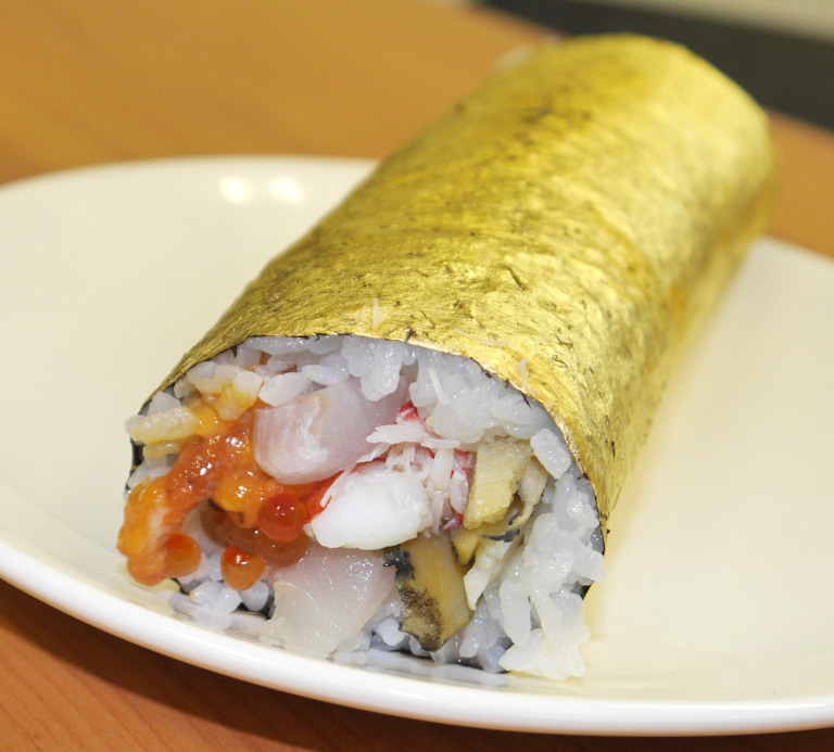 japanese-gold-sushi-roll
