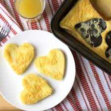 valentines-day-scrambled-eggs-as-hearts