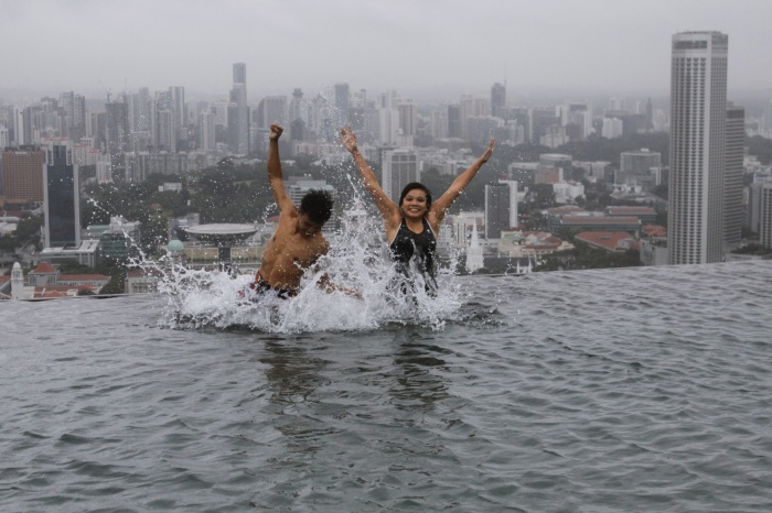 Skyscraper-Pool-Singapore