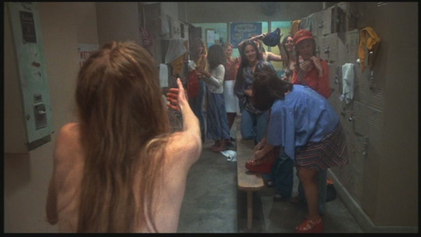 carrie-1976-locker-room-scene