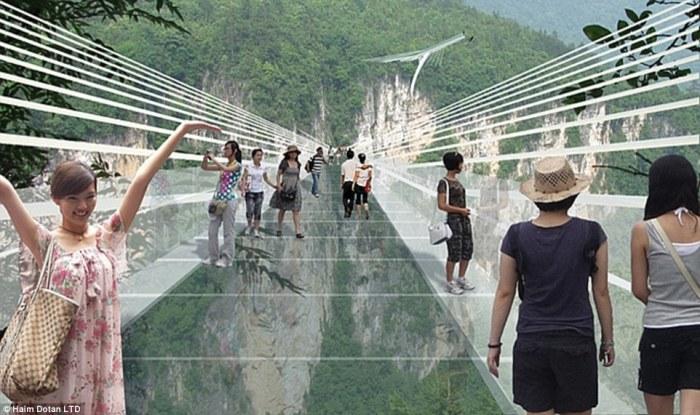 China glass bridge cracks